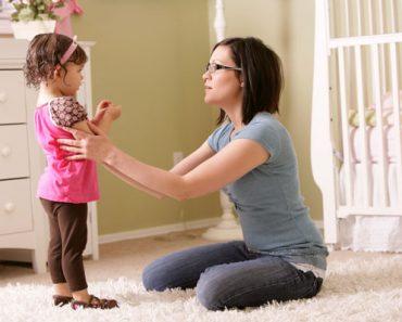 mom-talking-to-toddler-girl