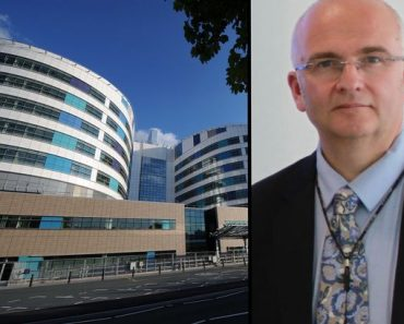 dr simon bramhall - who marked his initials on patient